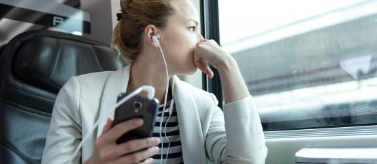 Les podcasts séduisent le public et les entreprises